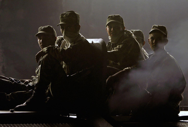 Кому выгодно военное положение в мирное время?