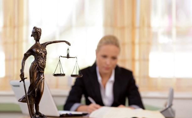Адвокатам разрешили комментировать дела коллег