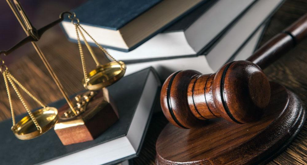 Отличие адвоката от юриста